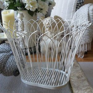 VINTAGE Inspired Farmhouse LARGE Wire BASKET